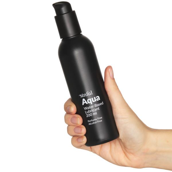 Sinful Aqua Vesipohjainen Liukuvoide 200 ml tuote kädessä 50