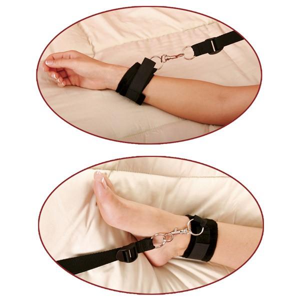 еще недавно наручники для фиксации к кровати девочка косичками